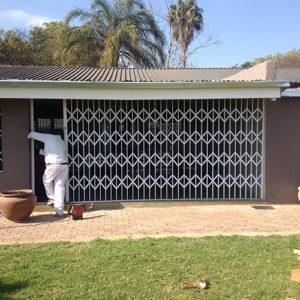 folding security gates